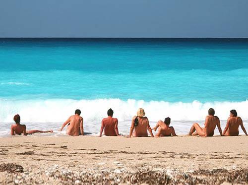 Где есть нудистские пляжи?