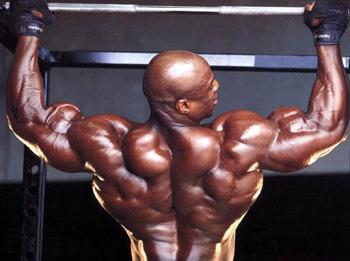 Как качать широчайшие мышцы спины?