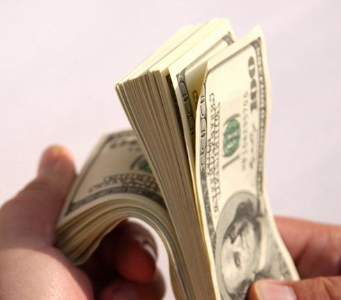 миллионер который раздает деньги заработанные на криптовалюте