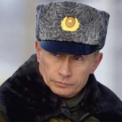Путин поднял упавшую фуражку: видео, комментарии